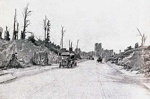 Ypres: The Menin Gate in 1919